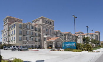 Exterior view of Staybridge Suites Silicon Valley-Milpitas.