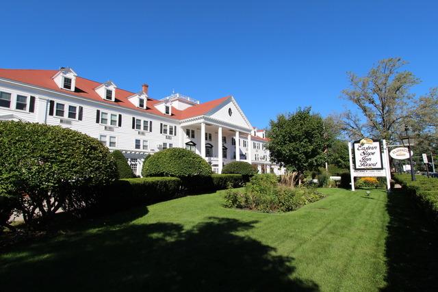 Exterior view of Eastern Slope Inn Resort.