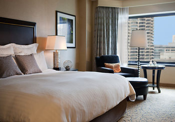 Guest room at Renaissance Chicago Hotel.