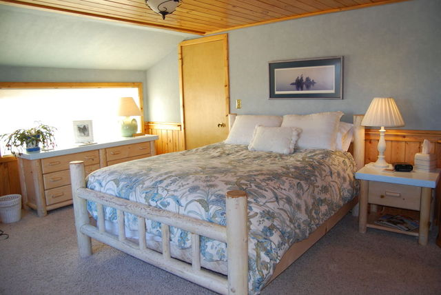 Wolf Sanctuary Bed And Breakfast Montana