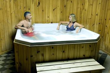 Hot tub at Half Moon Trail Resort.