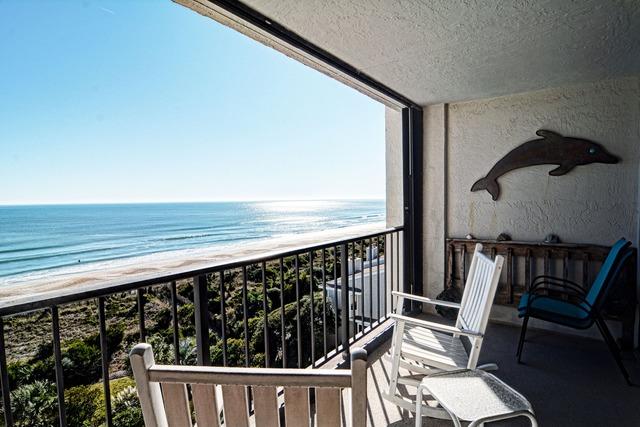 Vacation rental balcony at Intracoastal Realty.