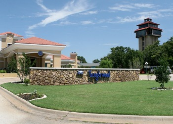 Exterior view of Tanglewood Resort and Conference Center.