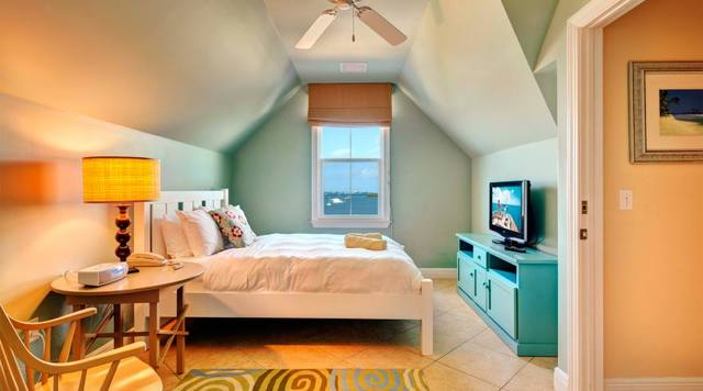 Interior King Suite at Parrot Key Resort.