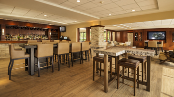 The Bistro Lakeside Bar & Lounge