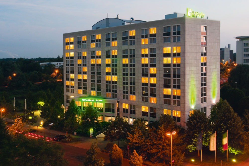 Exterior view of Holiday Inn Duesseldorf-Neuss.