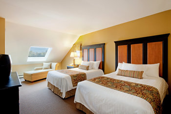 Guest room at Holiday Inn Club Vacations at Ascutney Mountain Resort.