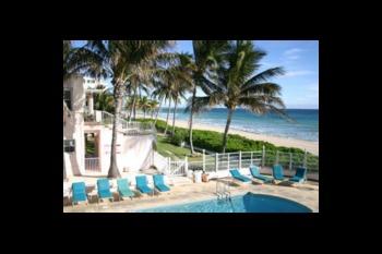 Outdoor pool at Villa Caprice Resort Motel.