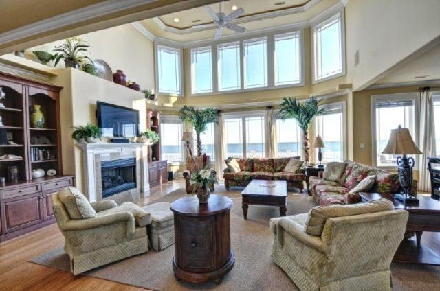 Rental living room at Treasure Realty.