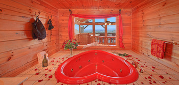 Cabin jacuzzi at Cabin Fever Vacations.