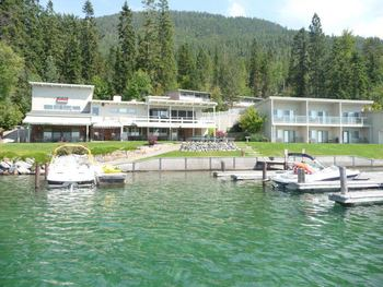 Exterior View of Many Springs Flathead Lake Resort