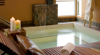 Whirlpool at Heidel House Resort
