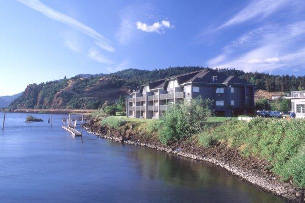 Columbia Gorge Inn And Spa