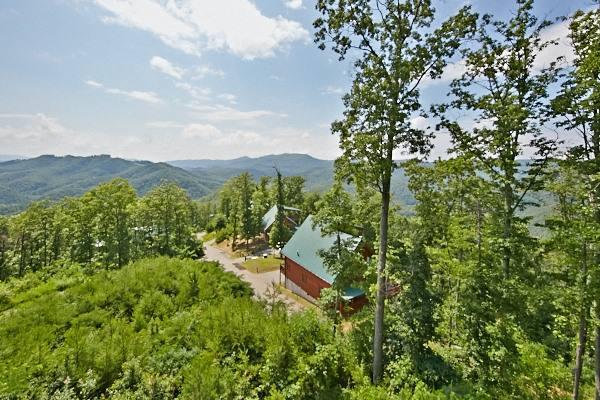 Cabin exterior at American Mountain Rentals.