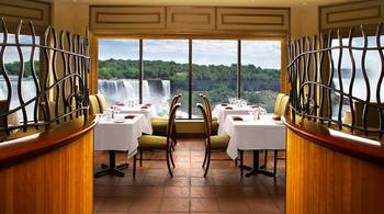 Dining at Crowne Plaza Hotel Niagara Falls - Fallsview