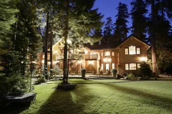 Exterior View of The Lodge at Suttle Lake