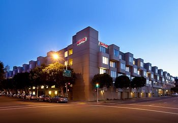 Exterior view of San Francisco Marriott Fisherman's Wharf.