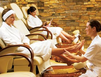 Pedicure at Moffat Inn.