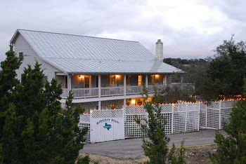 Exterior view of Biscuit Hill Bed & Breakfast.