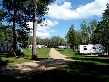 RV campground at Anderson's Starlight Bay Resort.