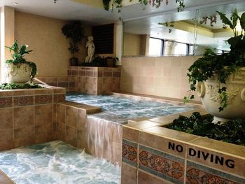 Jacuzzi suite at Cove Haven Entertainment Resorts.