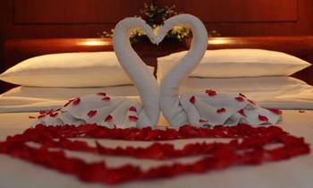 Romantic packages at Tunnel Mountain Resort.