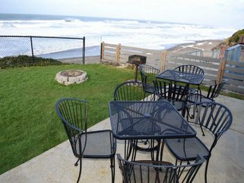 Vacation rental patio at Oregon Beach Vacations.