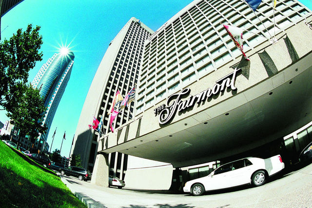The fairmont winnipeg winnipeg manitoba resort for Lombard place