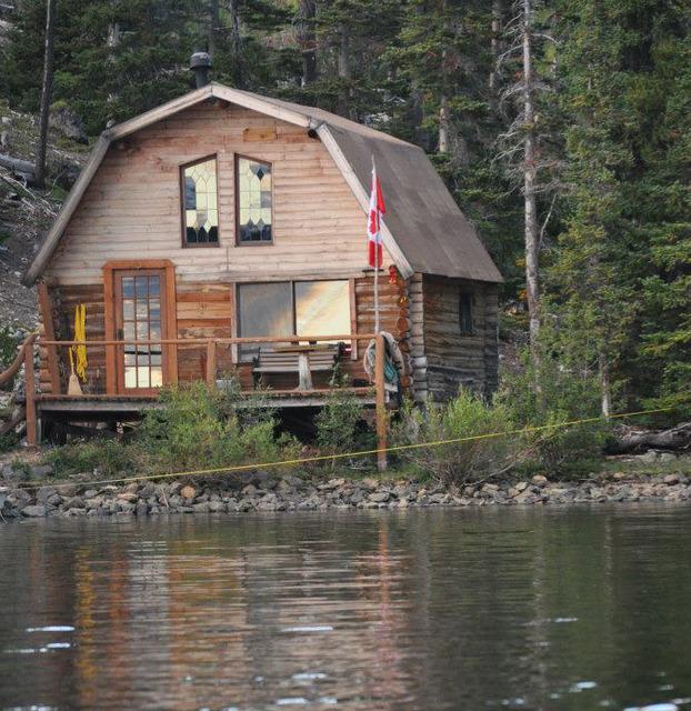 Crazy bear wilderness lodge nimpo lake british columbia for British columbia fishing lodges