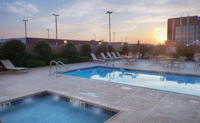 Hilton Garden Inn Dallas Market Center Dallas Tx Resort Reviews