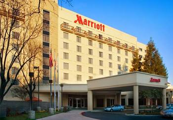 Exterior view of Visalia Marriott.