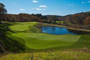 Golf course at Mohegan Sun.