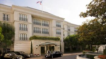 Exterior view of The Peninsula Beverly Hills.