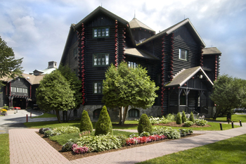 Exterior view of Fairmont Le Chateau Montebello.