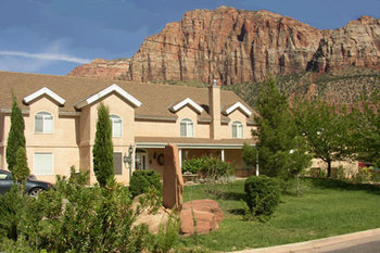 Exterior view of Novel House Inn at Zion.