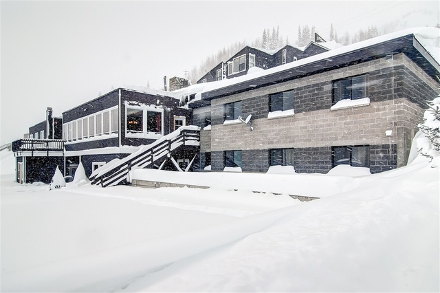 Exterior view of Snowpine Lodge.