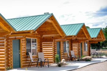 Cabin exterior at Bryce Canyon Inn.