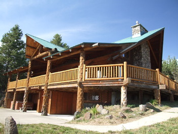 Exterior view of Eagle Ridge Ranch.