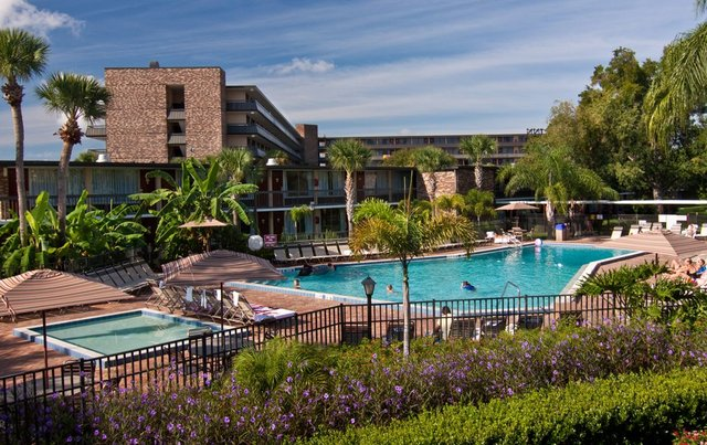 Outdoor pool at Rosen Inn International.