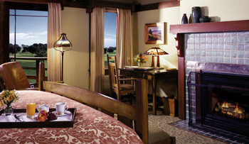 Spacious accommodation at The Lodge at Torrey Pines