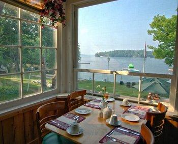 Porch dining at Shamrock Lodge.