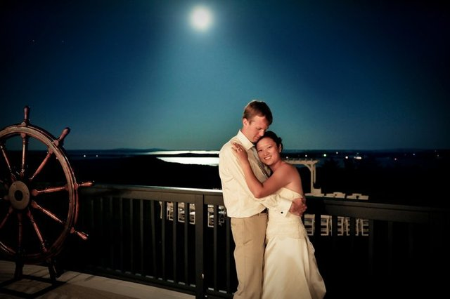 Bride & Groom at Point Lookout Resort