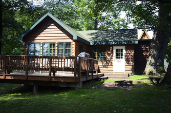 Cabin exterior at Tri Lakes Timbers Resort.