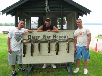 Fishing at Daisy Bay Resort.