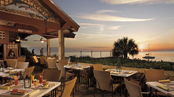 Outdoor dining at The Ritz-Carlton, Naples.