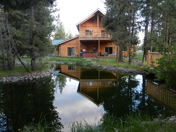 Exterior view of DiamondStone Guest Lodges.