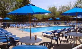 Outdoor pool at Island Club Rentals.