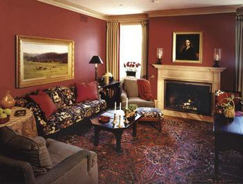 Sitting room at The Inns of Aurora.