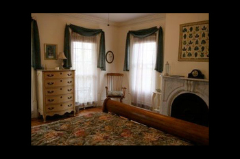 Guest room at Ellis House B & B Inc.