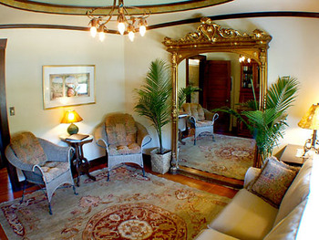 Interior view of Cooperage Inn.